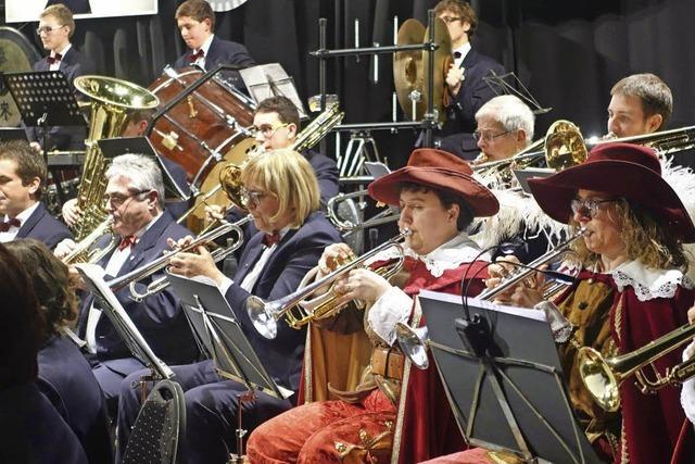 Stadtmusik Bad Säckingen präsentiert bei Jahreskonzert im Gloria-Theater in Höchstform