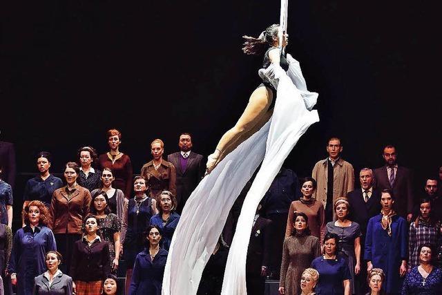Ein Geist, der stets verneint: Fausts Mefistofele am Theater