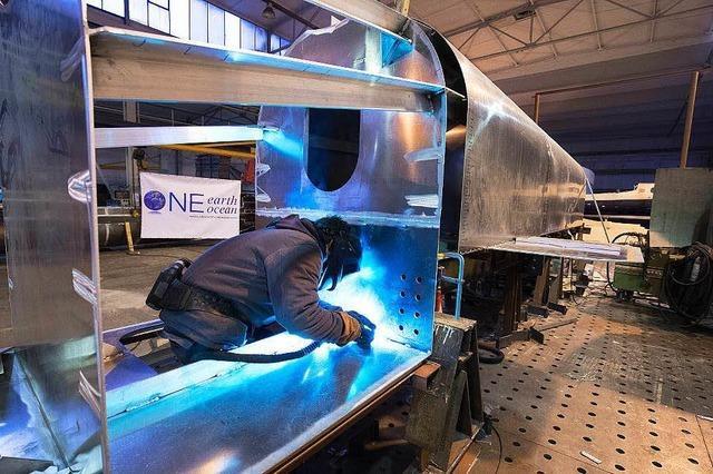 Lübecker Werft baut ein Schiff, das Plastikmüll sammeln soll