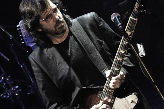 Cliff Stevens Band spielt Songs von Eric Clapton