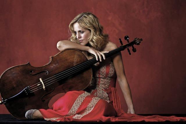 Cellistin Sol Gabetta spielt