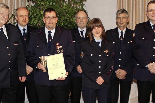 Anerkennung für lange Jahre Einsatz in der Feuerwehr