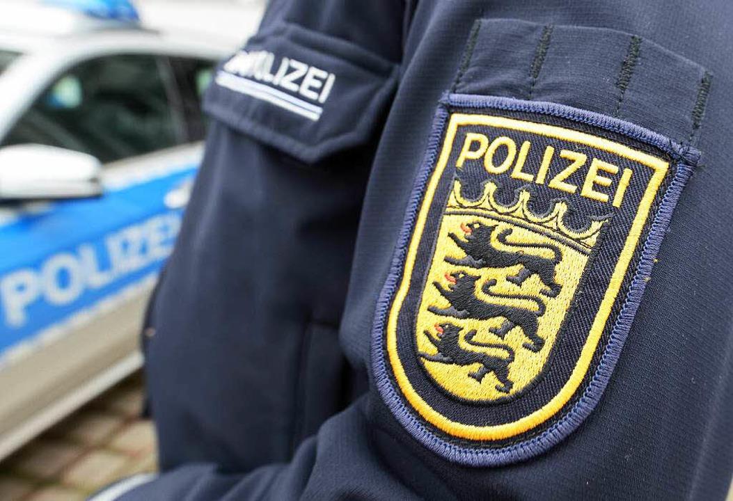Gleich drei Steifenbesatzungen der Pol...üchtlingsunterkunft in Staufen sorgen.  | Foto: dpa