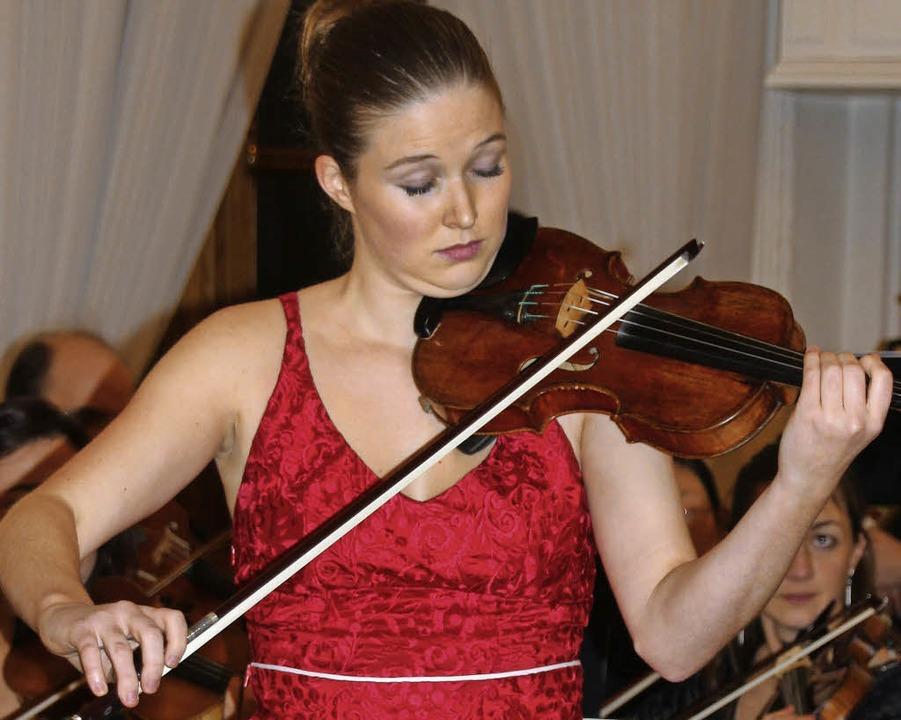 Simone Meyer, Geigerin aus der Schweiz...arts Violinkonzert Nr. 2 in D-Dur auf.    Foto: Margrit Matyscak
