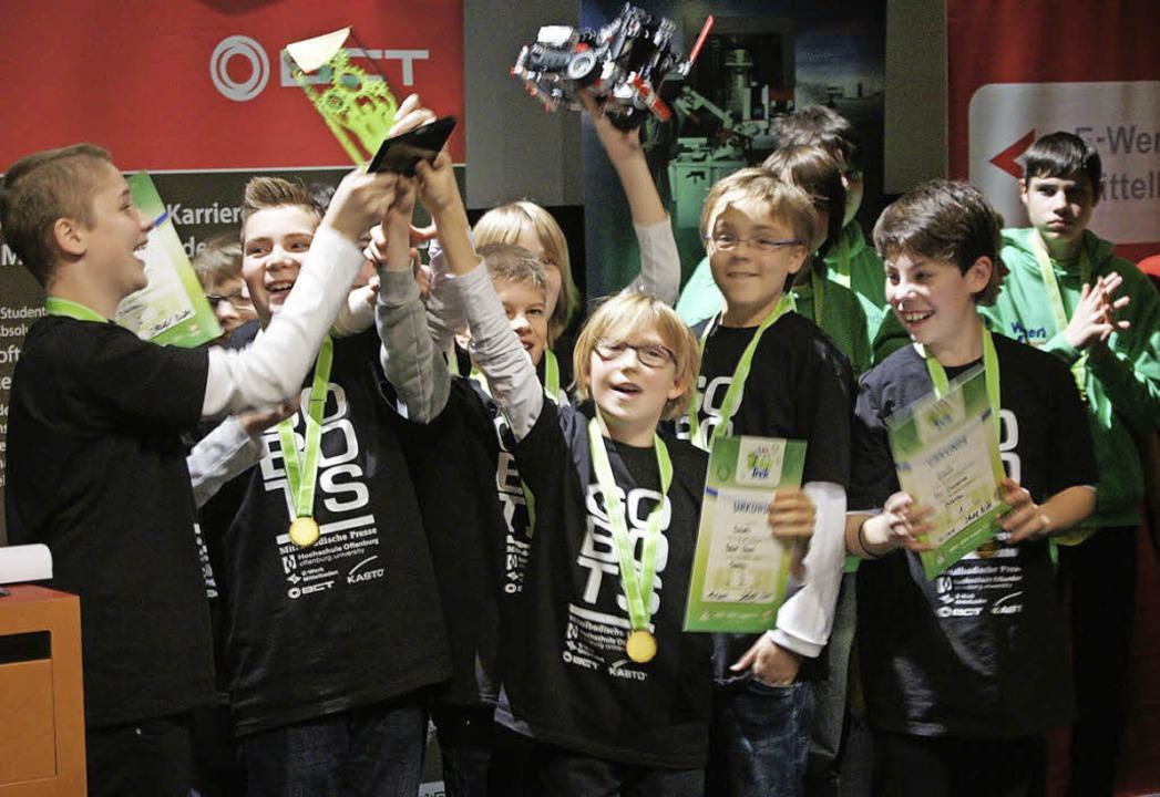 Das Team Gobots sind die Sieger des Gesamtpreises.   | Foto: Carola Bruhier