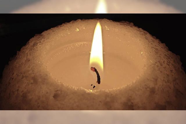 Kerzen für die Opfer des Holocausts in Litauen