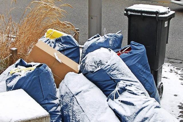 Müllentsorger kämpft noch immer mit der Umstellung der Abfuhr