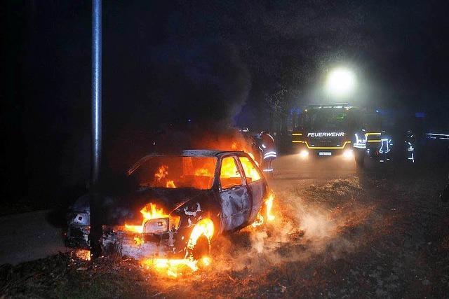 Lahr: Mysteriöser Brand eines Personenwagens