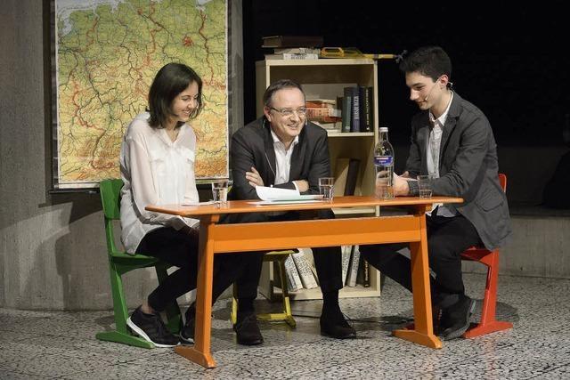Schüler-Talk im Wahlkampf: Kultusminister Stoch war bei Nachgefragt