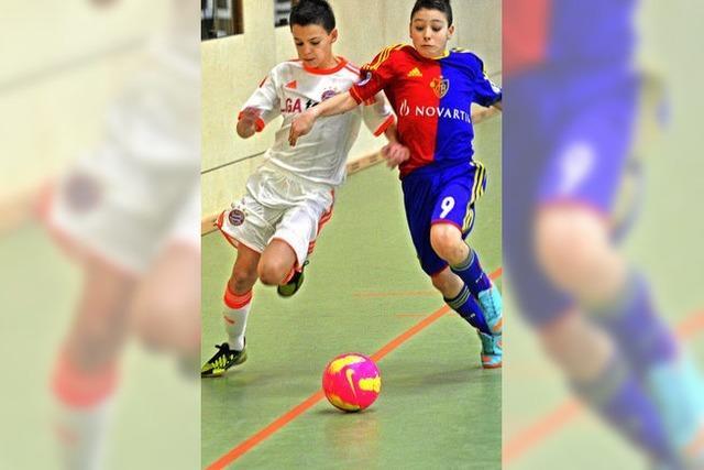 Juniorenteams spielen um Turniersieg