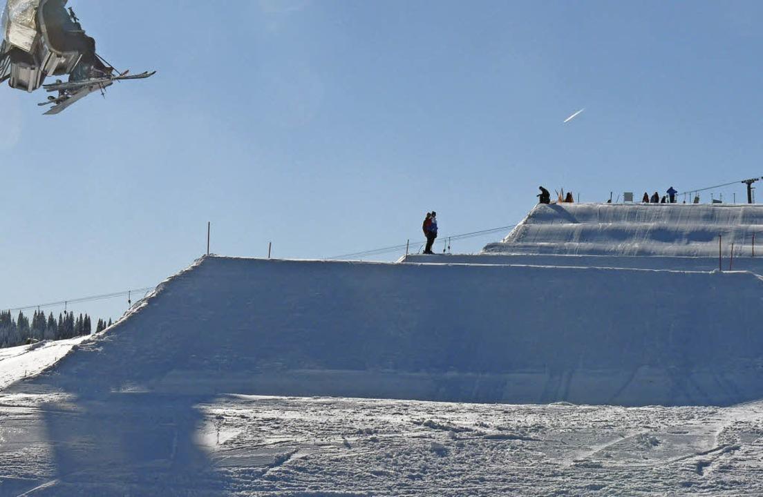 Rollenspiel im Schwarzwald: Wilde Well... bei zwei Weltcup-Rennen  am Seebuck.   | Foto: johannes Bachmann