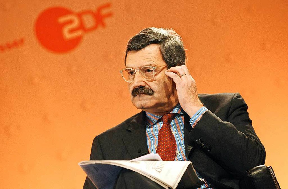Ex-Chefredakteur Nikolaus Brender fordert die Absage der SWR-Debatte.  | Foto: dpa