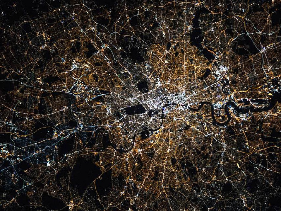 Der Mensch prägt die Erde &#8211; opti...e das Bild von London zeigt<ppp></ppp>  | Foto: Kjell Lindgren / Nasa