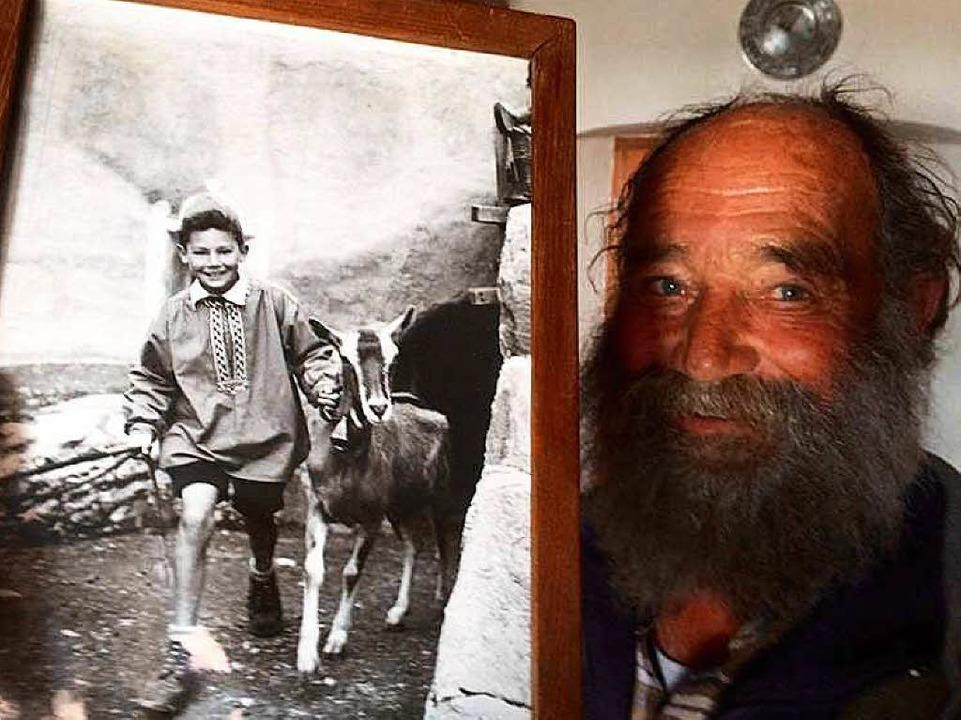 Not Schlegel mit einem  60 Jahre alten...as ihn als ersten Schellen-Ursli zeigt  | Foto: sebastian nachbar