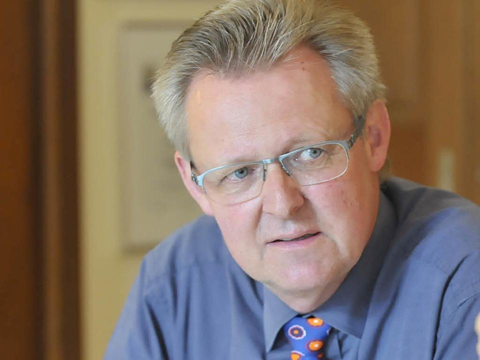 Bürgermeister Ulrich von Kirchbach will einen Runden Tisch einberufen.  | Foto: Michael Bamberger