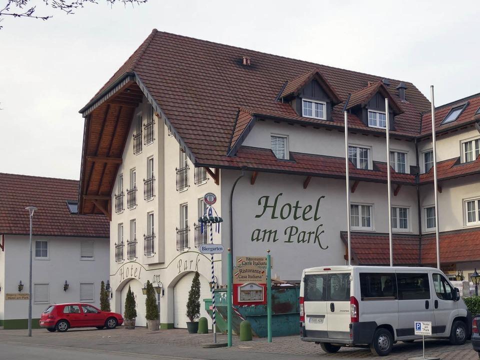 Das Hotel am Park in der Austraße in R...ndstück ein Apart-Hotel gebaut werden.    Foto: Bernhard Rein