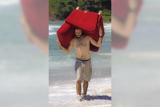 Mit einem Sessel im Gepäck auf Reisen