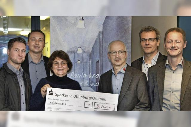 Fleig GmbH spendet 5000 Euro für Kinderklinik