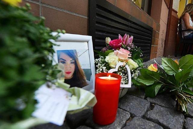 Prozessauftakt: 43-Jähriger soll Stieftochter in Gartenstraße erschossen haben
