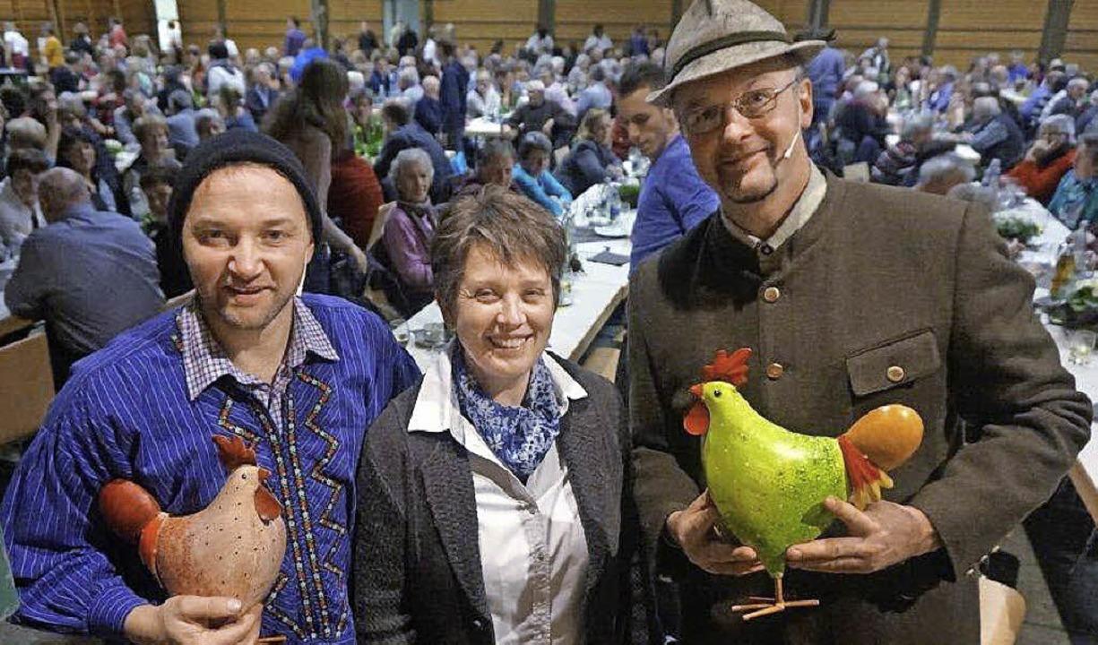 Landfrauenvorsitzende Agnes Barth mit ...er in der vollbesetzten Kirchberghalle  | Foto: Anne Freyer
