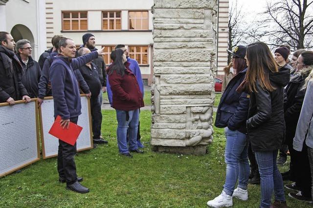 Schüler gedenken der Opfer