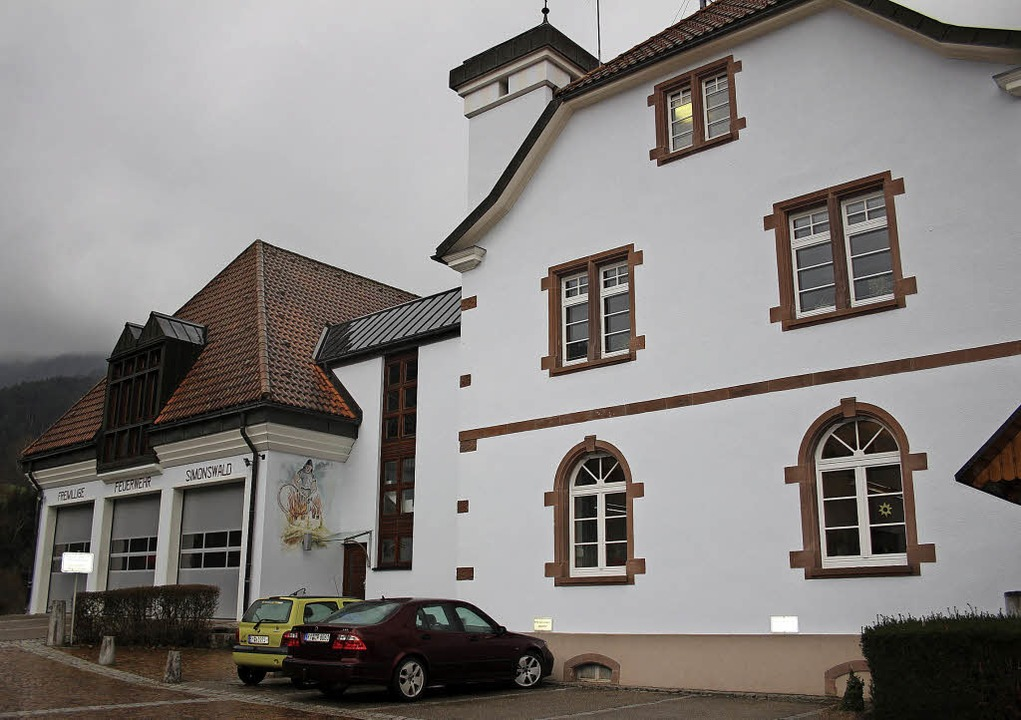Im Rathaus Simonswald und dem angrenze...aus auf dem benachbarten Sägplatz mit.    Foto: Karin Heiß
