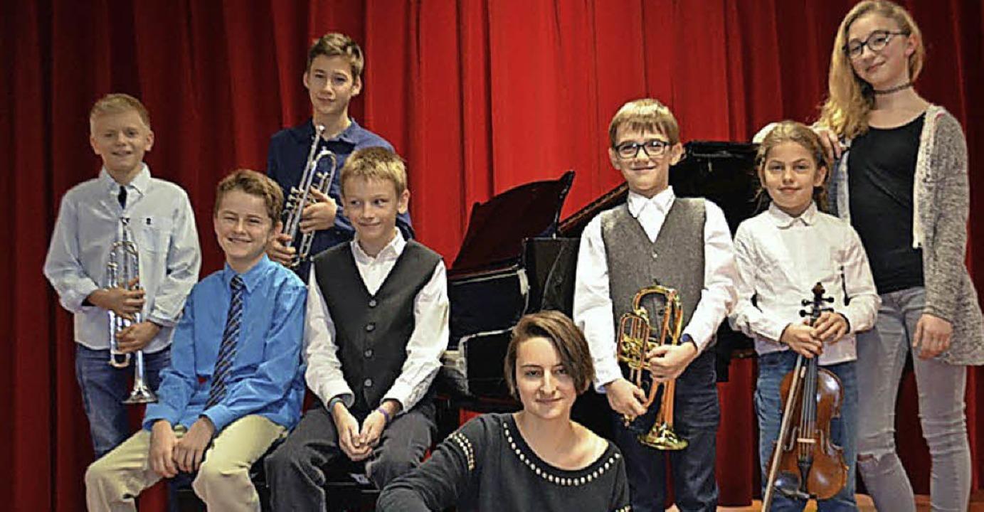 Lauter Preisträger:  Lennart Menze, Se... Chvátal und Emma Hübler (von links).   | Foto: JMS