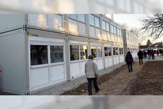 Landratsamt will feste Flüchtlingsunterkunft bauen – das war wohl Grund für Schweigen im Gemeinderat