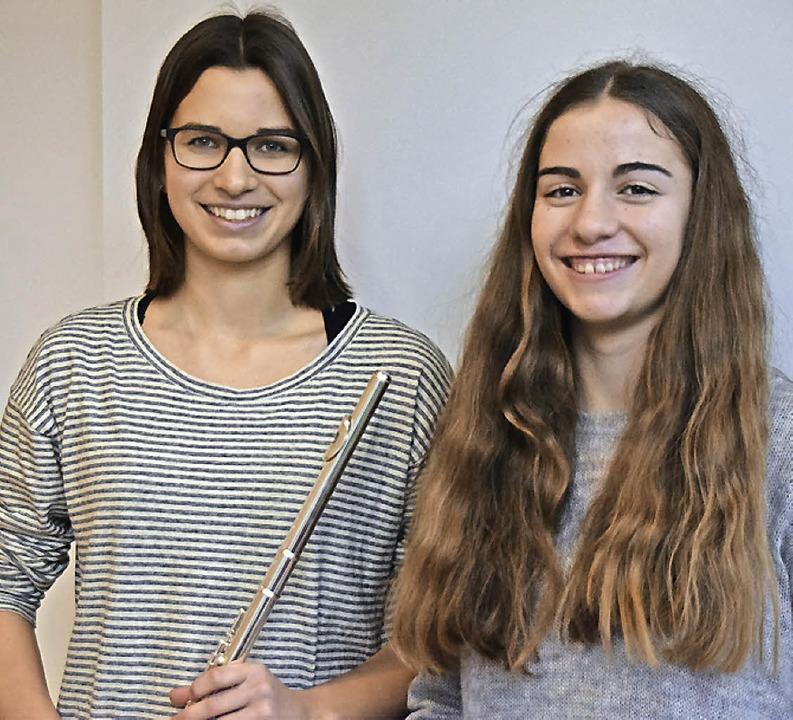Katja Schach (links) spielt Querflöte und Rosa di Nario Klavier.   | Foto: Sarah Nöltner
