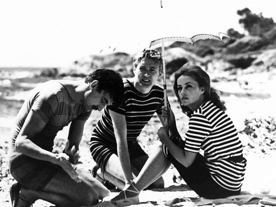 """Zwei Männer und eine Frau: Szene aus F...hmtem Film """"Jules et Jim""""     Foto: dpa"""