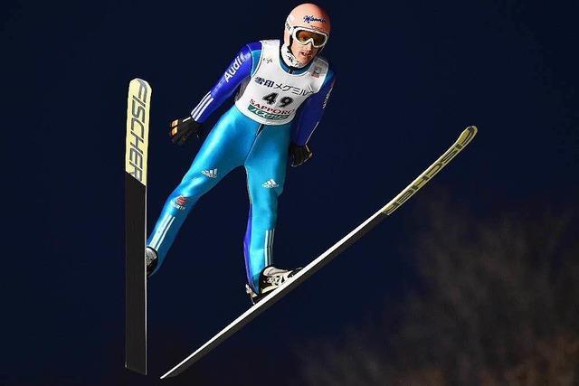 Severin Freund stürzt beim Weltcup in Sapporo