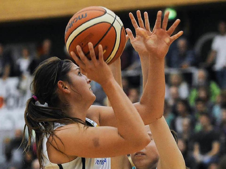 USC-Basketballerin Alexandra Williams ...n beste Werferin aus Freiburger Sicht.  | Foto: Achim Keller