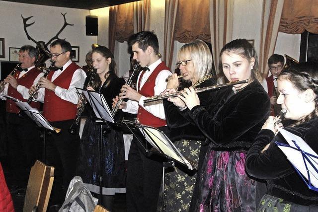 Flotte Musik, fleißige Musiker, zackige Hauptversammlung
