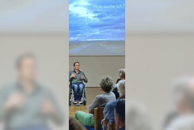 Felix Bernhard erzählt von seinen Pilgerreisen im Rollstuhl