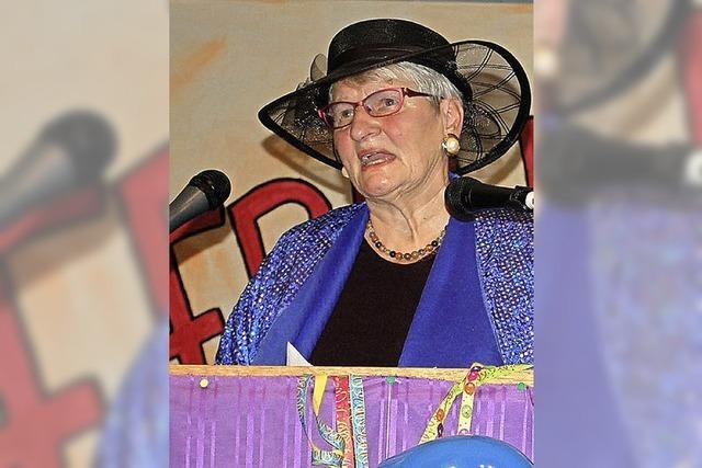 Schlaue Frauen kritisieren den Pfarrer mit Witz