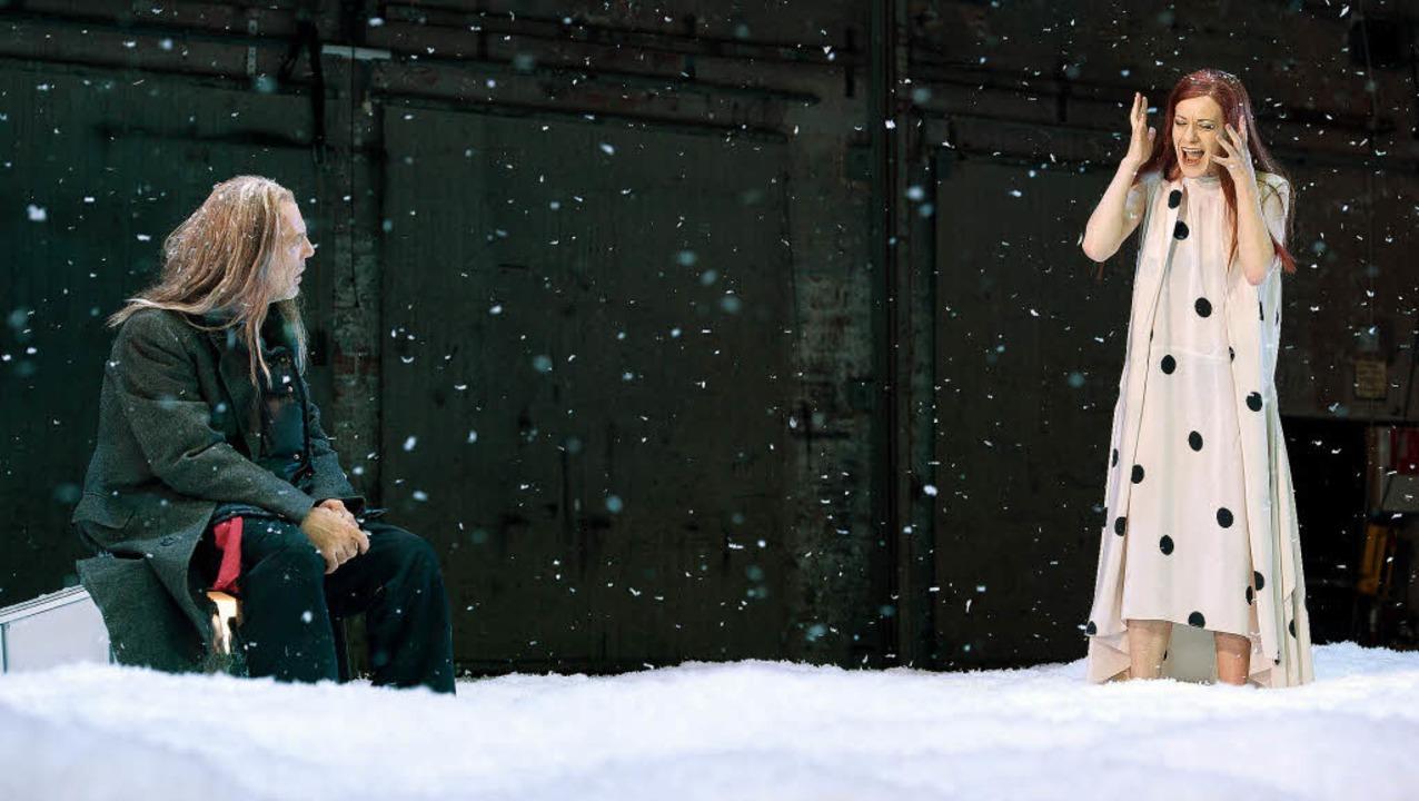 Alte Liebe: Martin Wuttke und Caroline...rs in Simon Stones Ibsen-Inszenierung   | Foto: werner