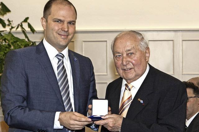 Medaille für Alois Schätzle