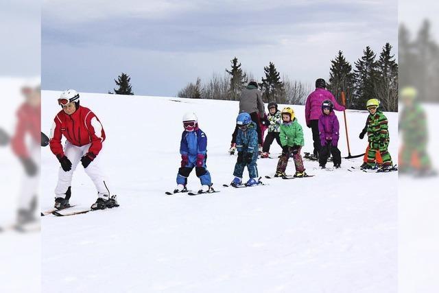 Skihasen üben und lernen auf der Piste