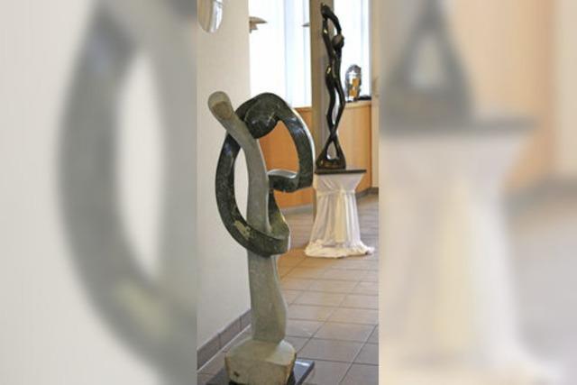 Buchenbacher Rathaus wird zur Skulpturengalerie