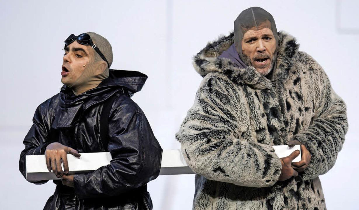 Unterwegs zum Pol: Scott (Rolando Villazón, links) und Amundsen (Thomas Hampson)  | Foto: dpa