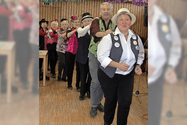 Senioren feiern ganz närrisch