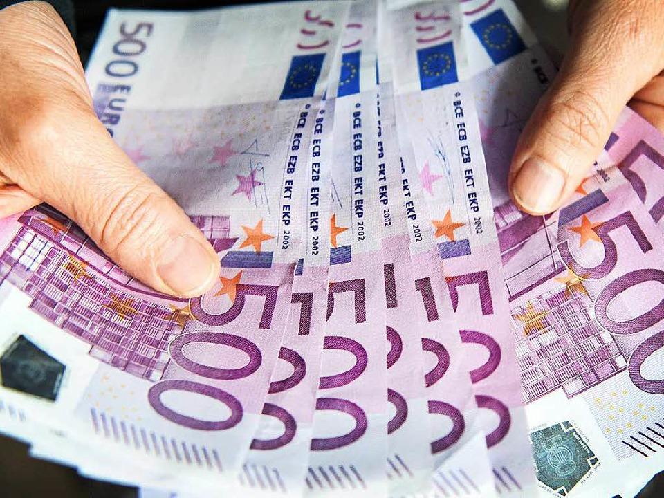 Ein Bürgermeisterkandidat aus Friesenh...an, Geldzuwendungen erhalten zu haben.  | Foto: dpa