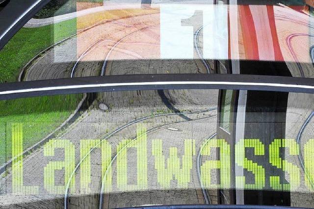 Tramunfall in Freiburg auf der Linie 1 – Radler verletzt