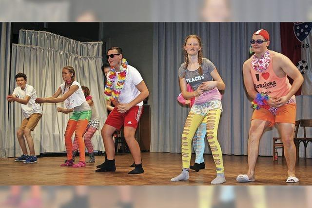 Bunte Tänze auf der Bühne