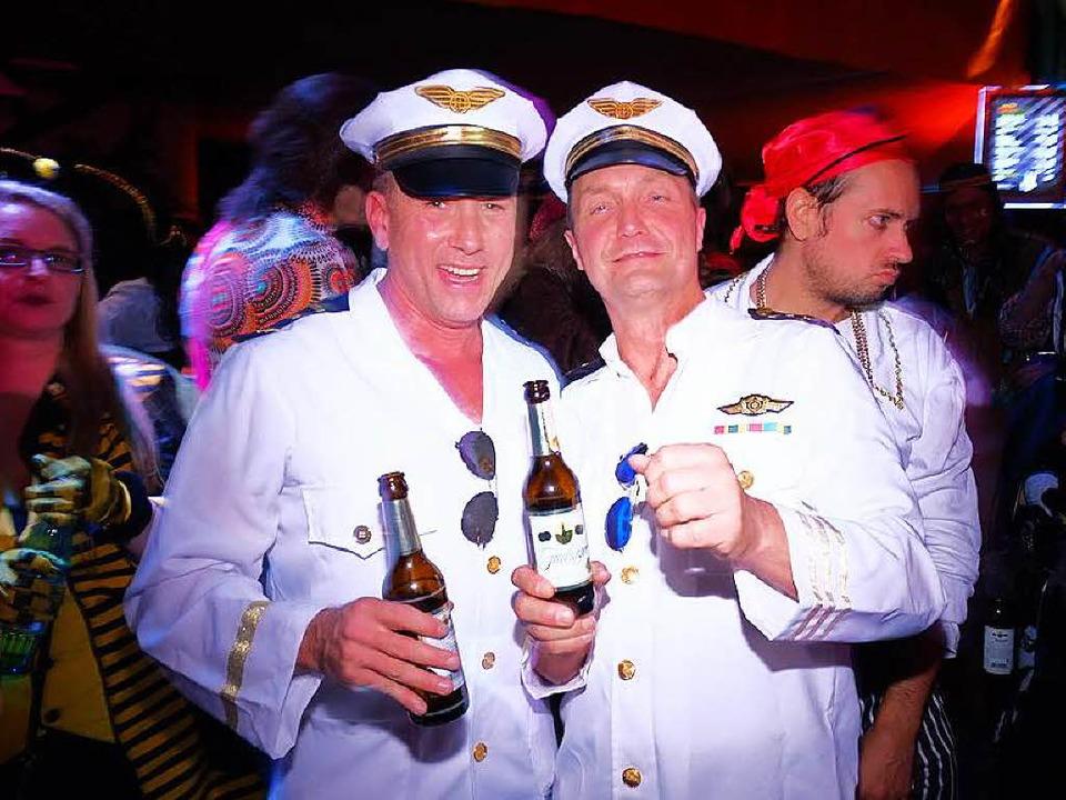 Sind das jetzt Kapitäne oder PIloten? Ihr dürft's euch aussuchen, Mädels.  | Foto: Miroslav Dakov