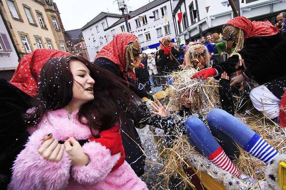 3000 Narren zogen durch die Emmendinger Innenstadt (Foto: Patrik Müller)