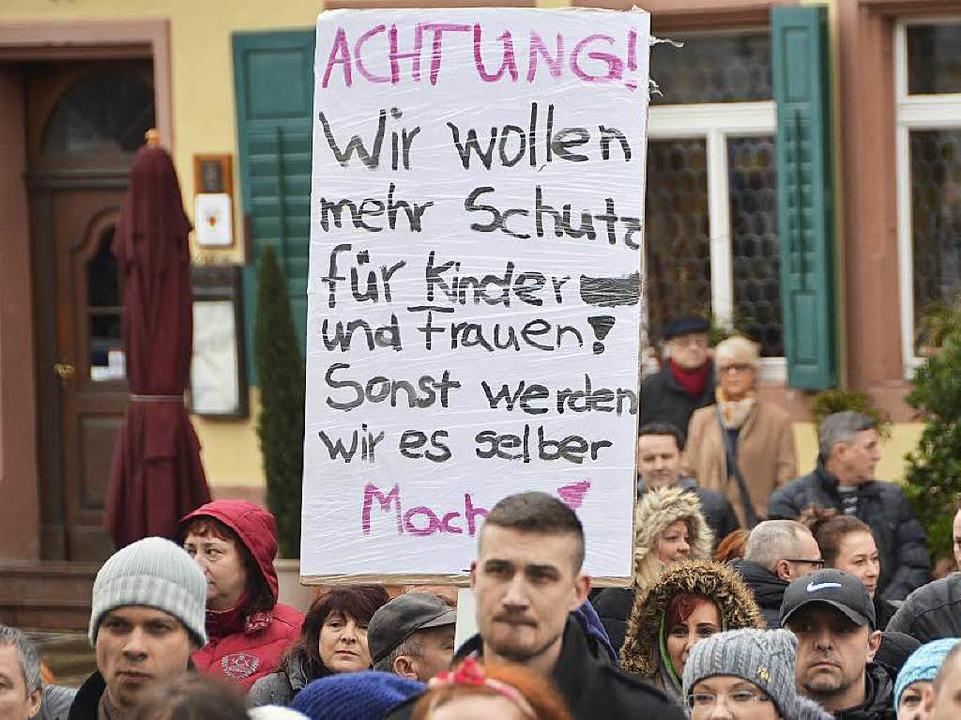 Gefordert: Mehr Schutz für Kinder und Frauen  | Foto: Ralf Burgmaier