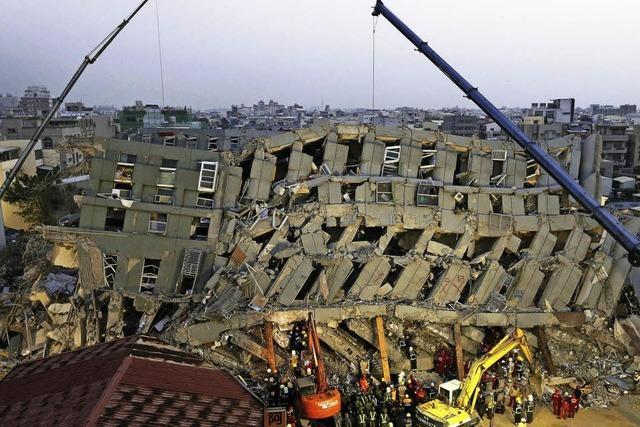 29 Tote und 120 Vermisste nach Erdbeben
