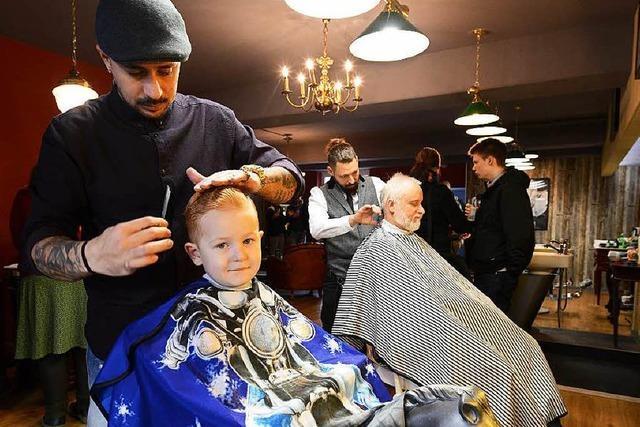 Barbiere in Freiburg bieten Refugien für Männer