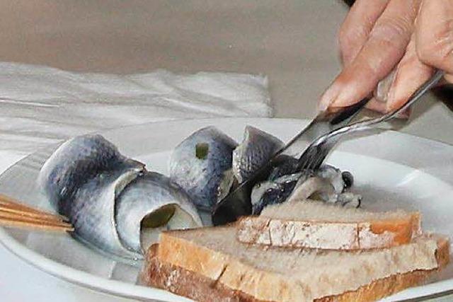 Der Fisch schließt den Magen und die Fasnacht ab